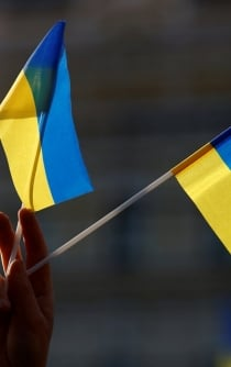 Ukraine elections trapped between a comedian, corruption, and war