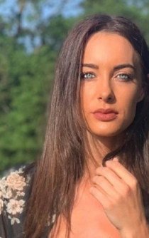 Muere la youtuber Emily Hartridge tras un accidente en patín eléctrico