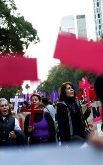Over 500 women protest after two minors were raped in Mexico City