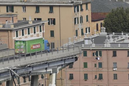 italy_highway_collapse_64935886.jpg