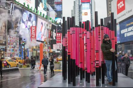 times_square_valentine_immigration_40343513.jpg