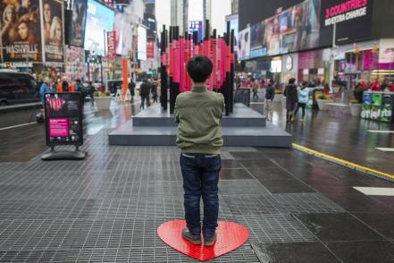 times_square_valentine_immigration_40343699.jpg