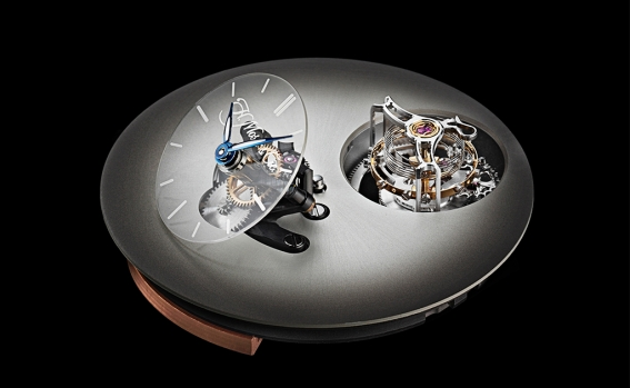 endeavour_cylindrical_tourbillon_h._moser_x_mbf_1810-1203_closeup_black_background.jpg