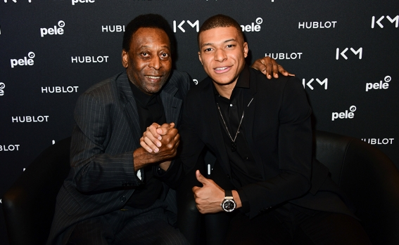 pele_and_kylian_mbappe_2.jpg