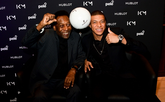 pele_and_kylian_mbappe_3.jpg