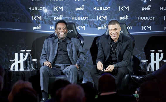 pele_and_kylian_mbappe_8.jpg
