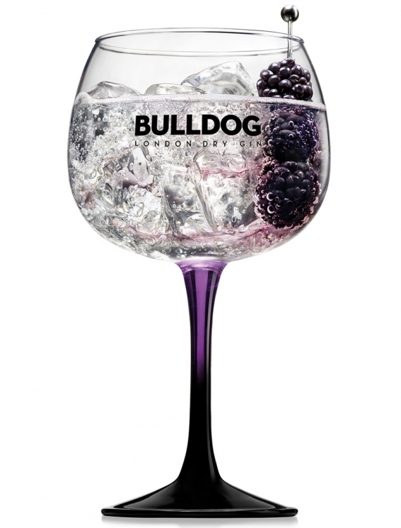bulldog_gin_tonic_with_blackberries_.jpg