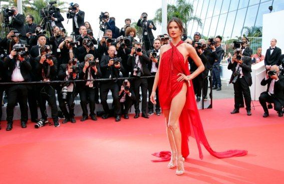 filmfestival-cannesles_alessandra_ambrosio.jpg
