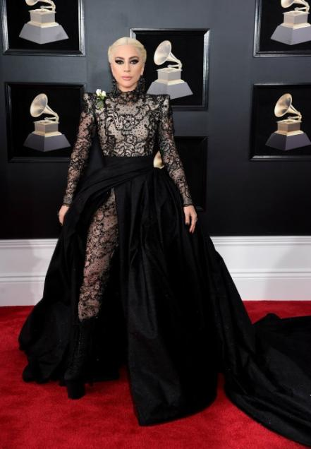 pequeus-60th-annual-grammy-awards-arrivals_55452663.jpg