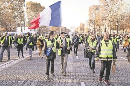 france_fuel_taxes_protest_76609428.jpg