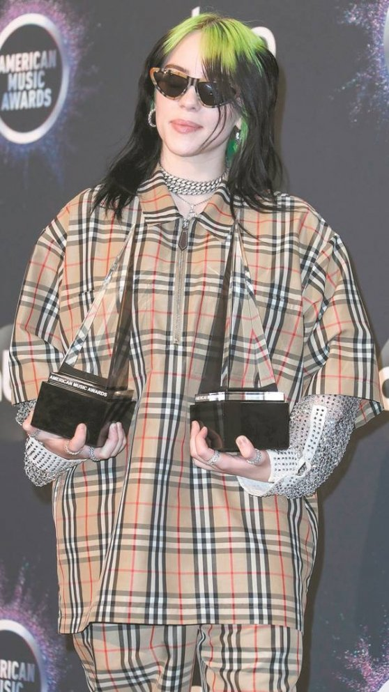 billie_eilish_107696295.jpg