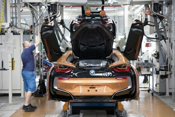 bmw-i8-roadster-production-at-leipzig-plant-2.jpg