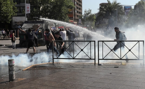 chile-protests_105915835.jpg