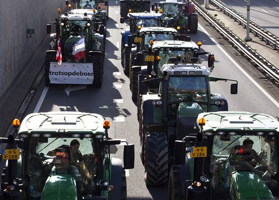 netherlands_farmers_protest_105724959.jpg