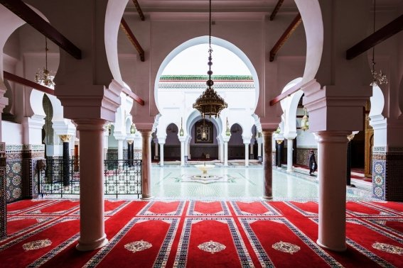 17_destinos_fez_marruecos_interior_of_al_quaraouiyine_or_al-qarawiyyin_mosque_and_university_0.jpg
