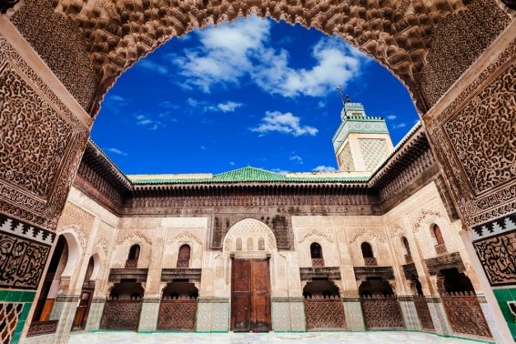 17_destinos_fez_marruecos_mezquita_4_the_medersa_bou_inania_is_a_madrasa_in_fes_morocco_1.jpg