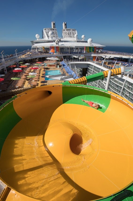 cruceros-actividades-tobogan-symphony_of_the_seas_royal_caribbean.jpg